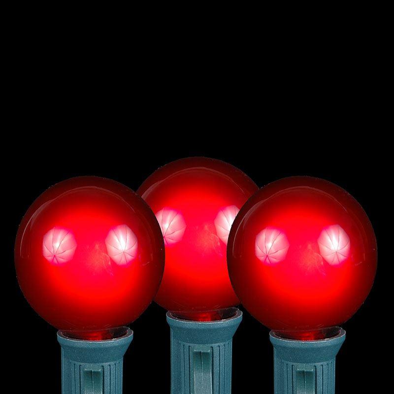 Red G40 Globe Round Outdoor String Light Set On Green Wire